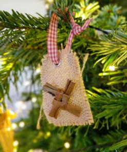 https://www.islandturfcrafts.com/irish-crafts/irish-shop/
